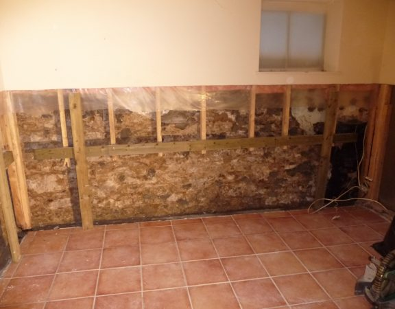 water-damaged-dry-wall